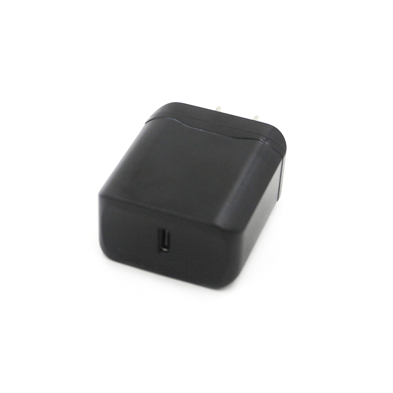 PD & QC 3.0 Traveler Charger for Flame Resistant PC CTC-0004-5